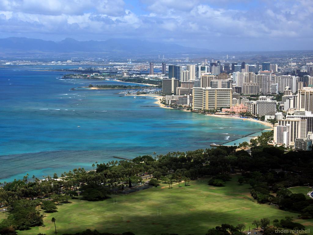 Waikīkī Beach, from Diamond Head by rhoing