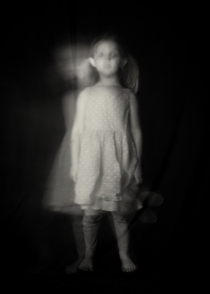 Ghostly  by epcello