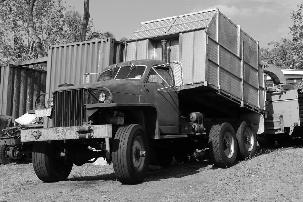 1945 US6 Studebaker by terryliv