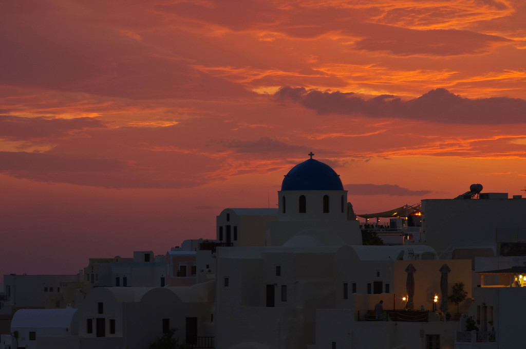 Oia Sunset by vickisfotos