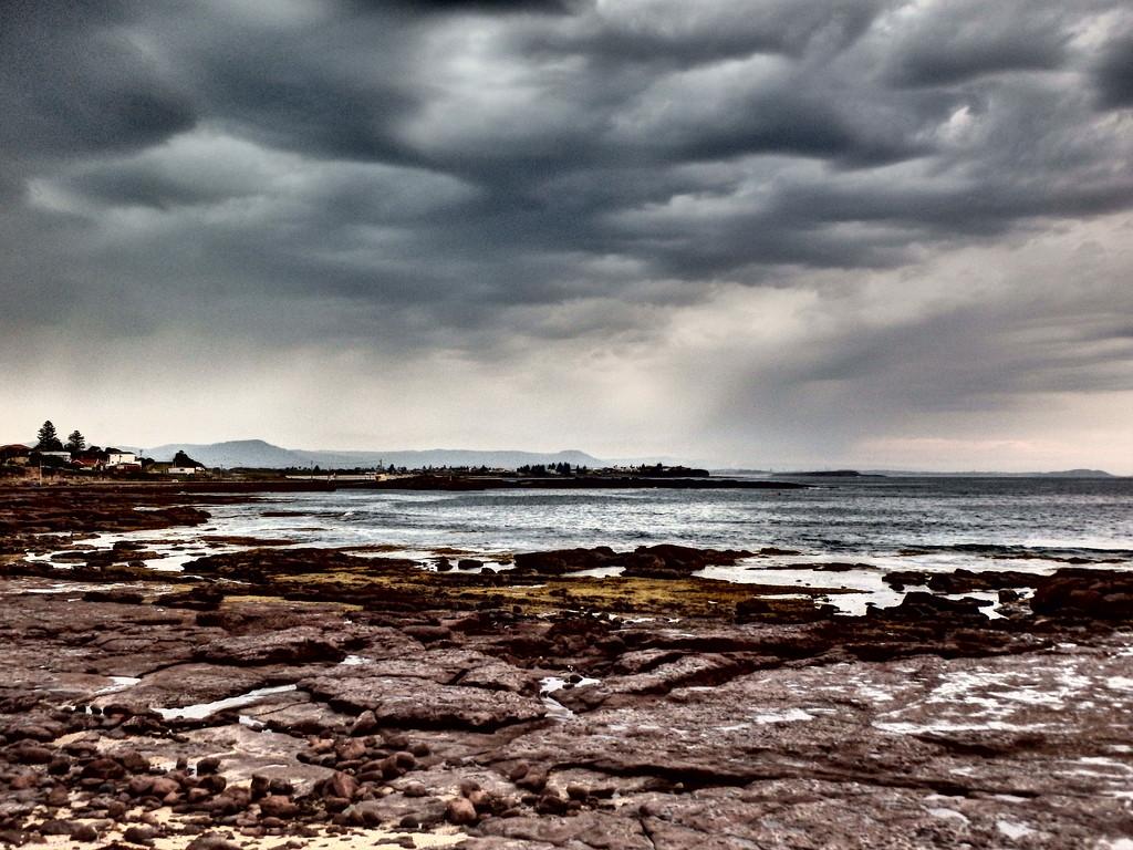 Storm is Coming! by leestevo