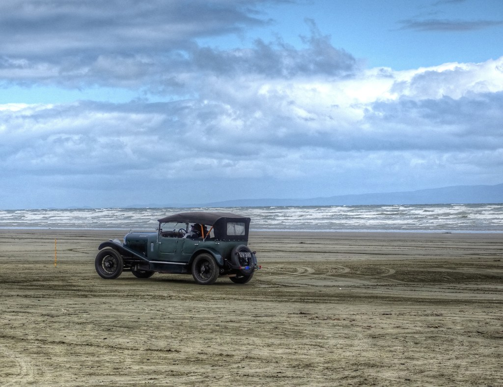 Bentley on the Sands by maggiemae