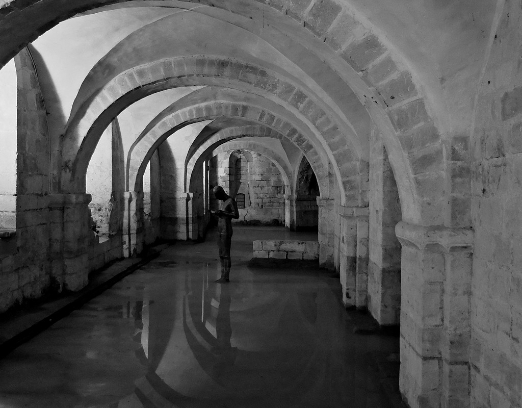 in the crypt by quietpurplehaze