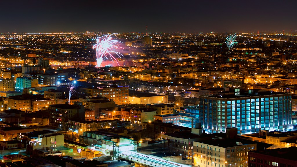 Viewing Chicago Neighborhoods' Fireworks by taffy