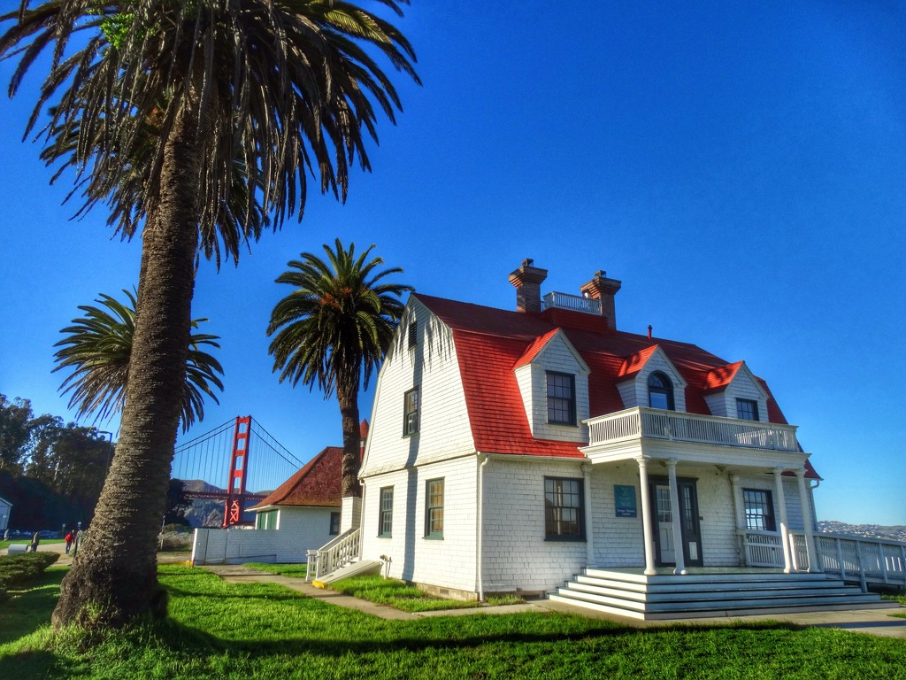 Old Coast Guard Station Quarters by khawbecker