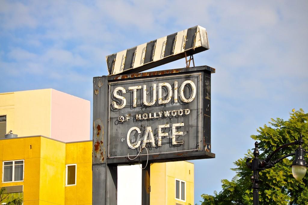 Broken cafe by cocobella