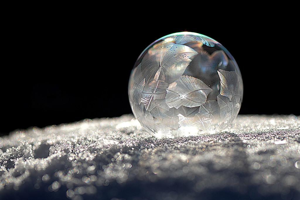 Glowing bubble! by fayefaye
