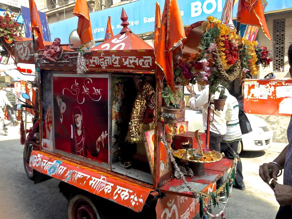 Mumbai streets by veengupta