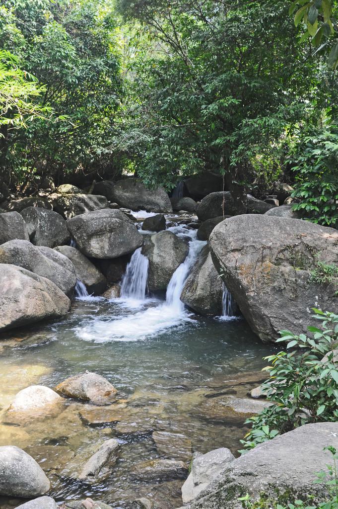 part of Jana Falls Kamunting Perak by ianjb21
