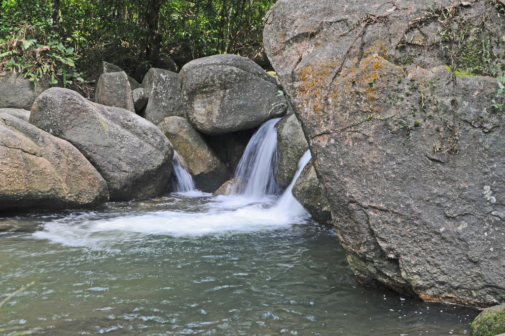 waterfall Jana Perak by ianjb21