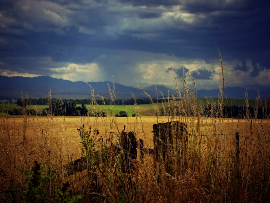 Thunderstorms over the hills by maggiemae