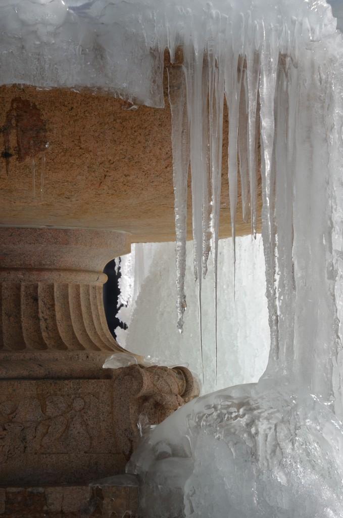 Frozen by greenpeg