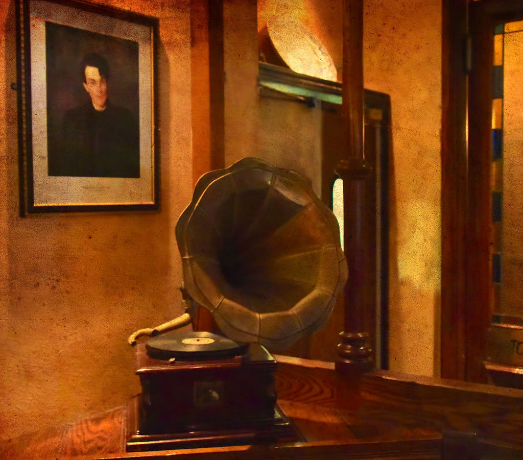 W.B.Yeats And The Phonograph by joysfocus