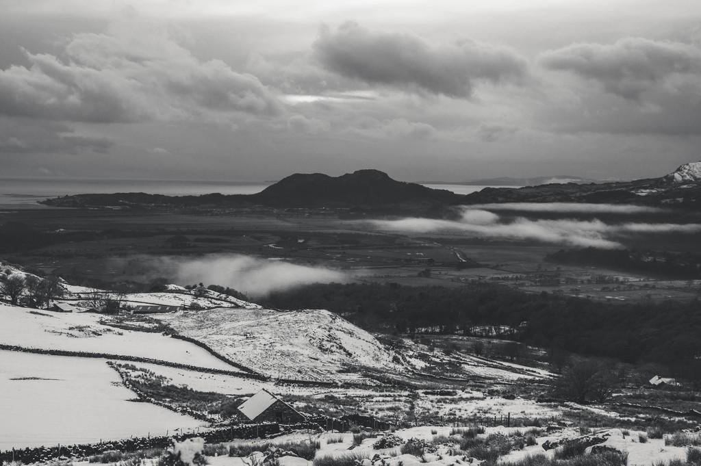 View towards Porthmadog by overalvandaan