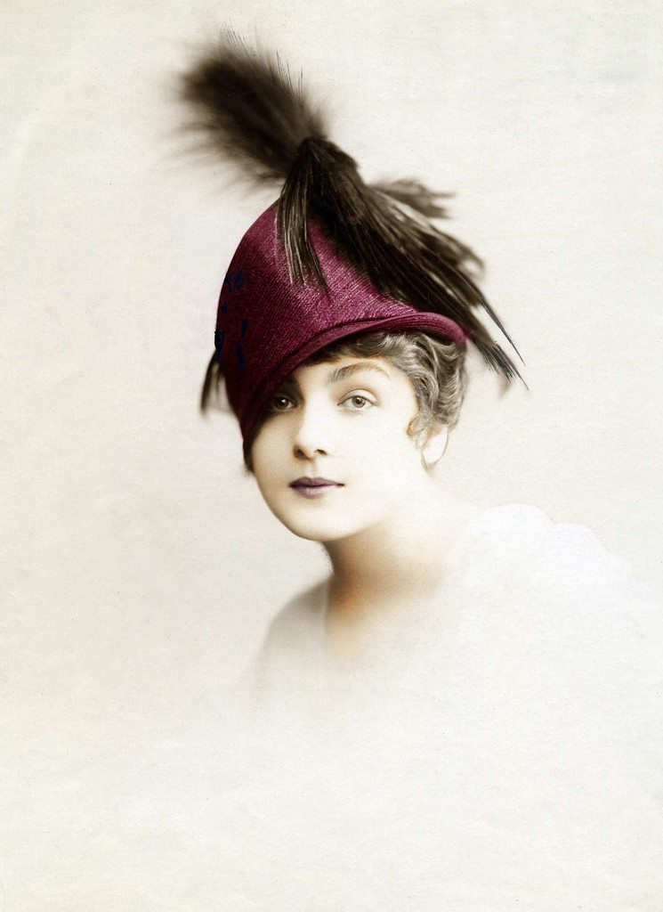 Lady with a hat (1915) by stiggle