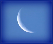 22nd Apr 2015 - Fingernail moon