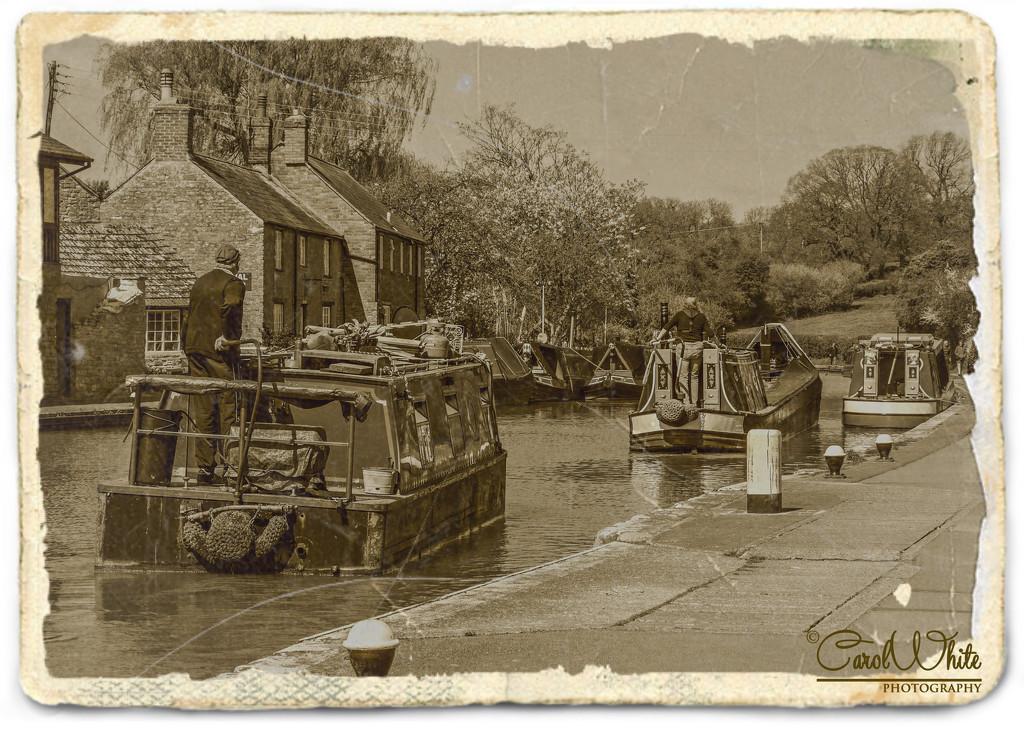 The Grand Union Canal, Stoke Bruerne by carolmw