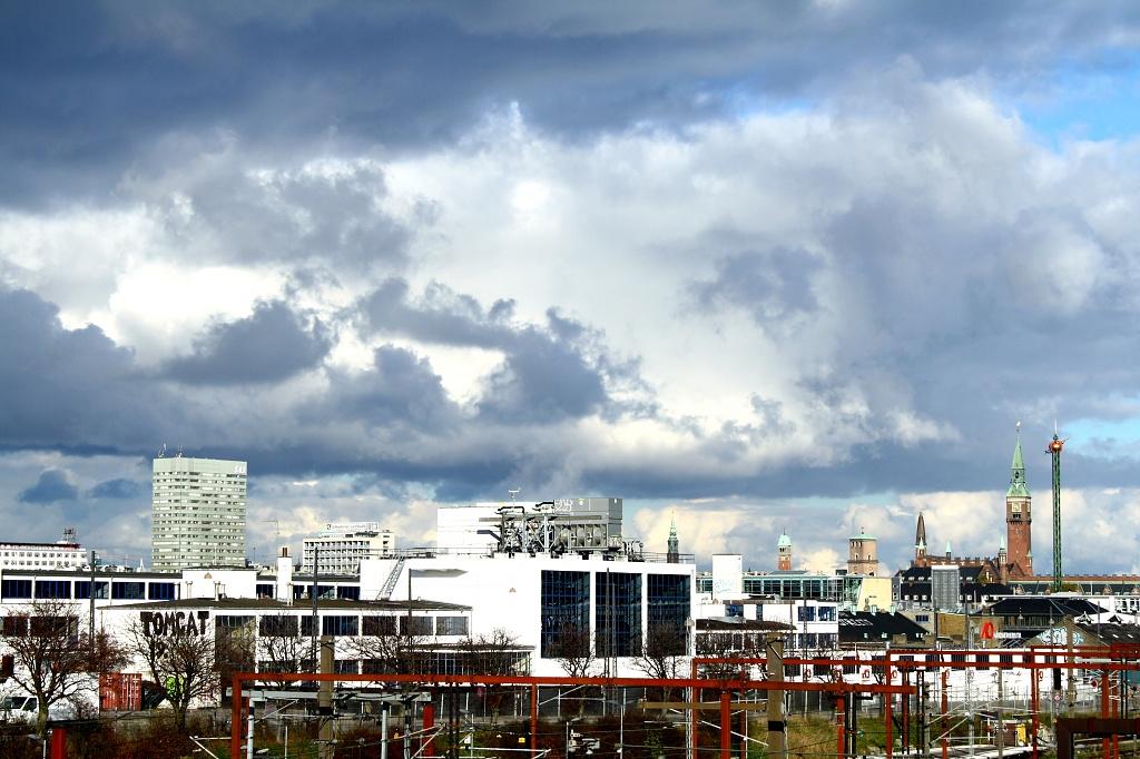 Urban sky by lily