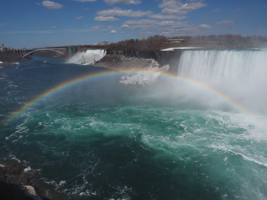 Rainbow Over Niagara Falls by selkie