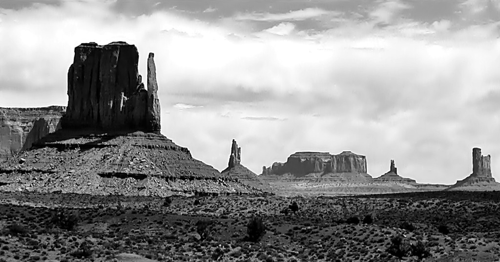 Artist's Point in Mono by soboy5