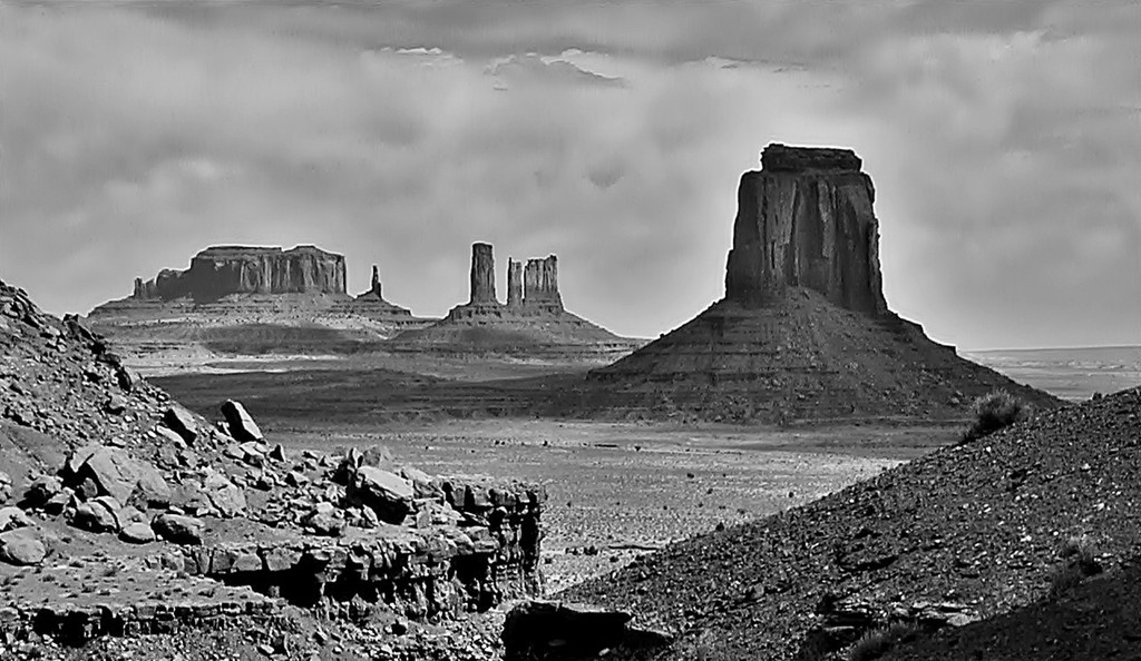 Monuments in Mono by soboy5