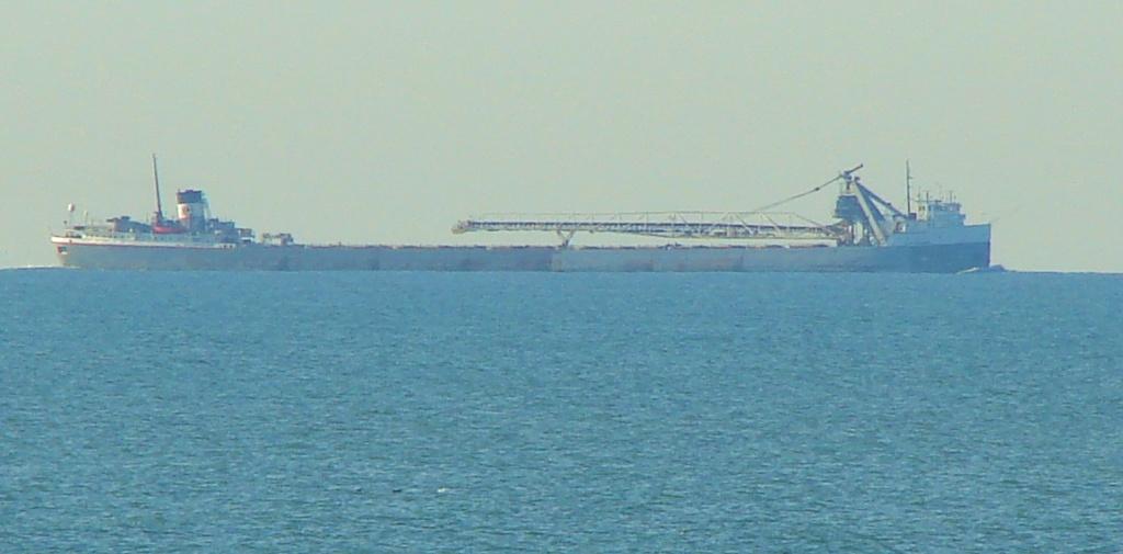 Long Boat by brillomick