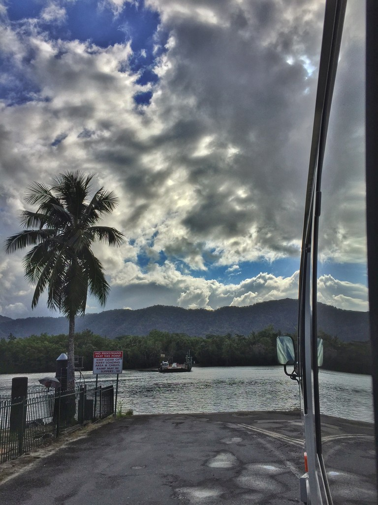 Crossing the Daintree River by teodw