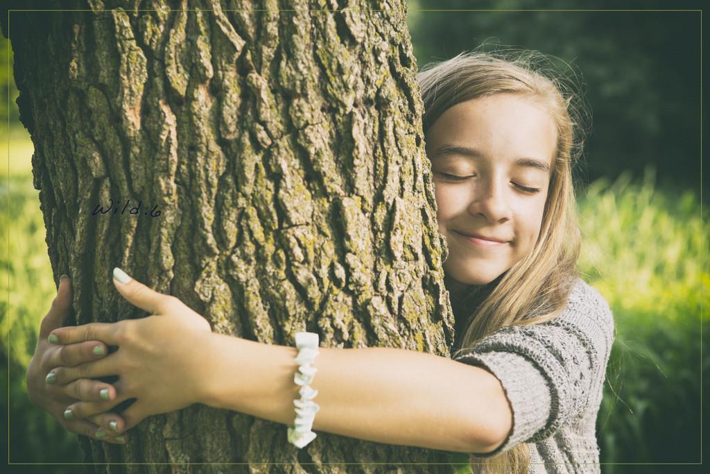 Tree Hugger by lyndemc