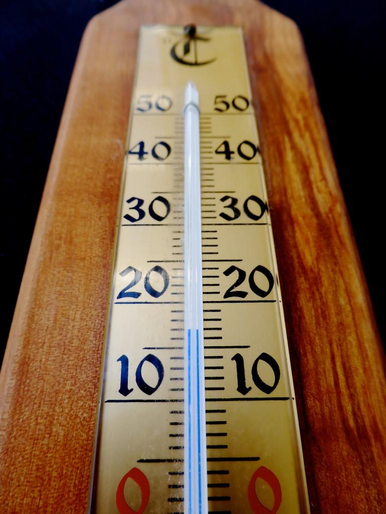 Thermometer by kjarn