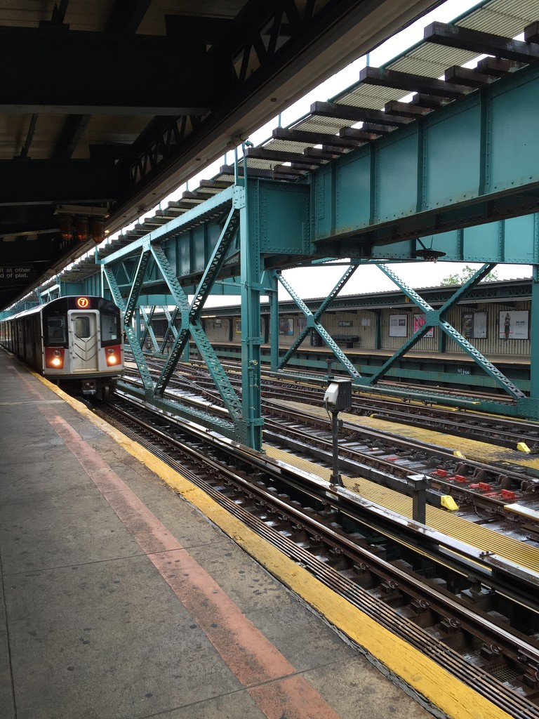 7 Train Approaches by blackmutts