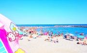 10th Jul 2015 - Hello Kitty at the beach.