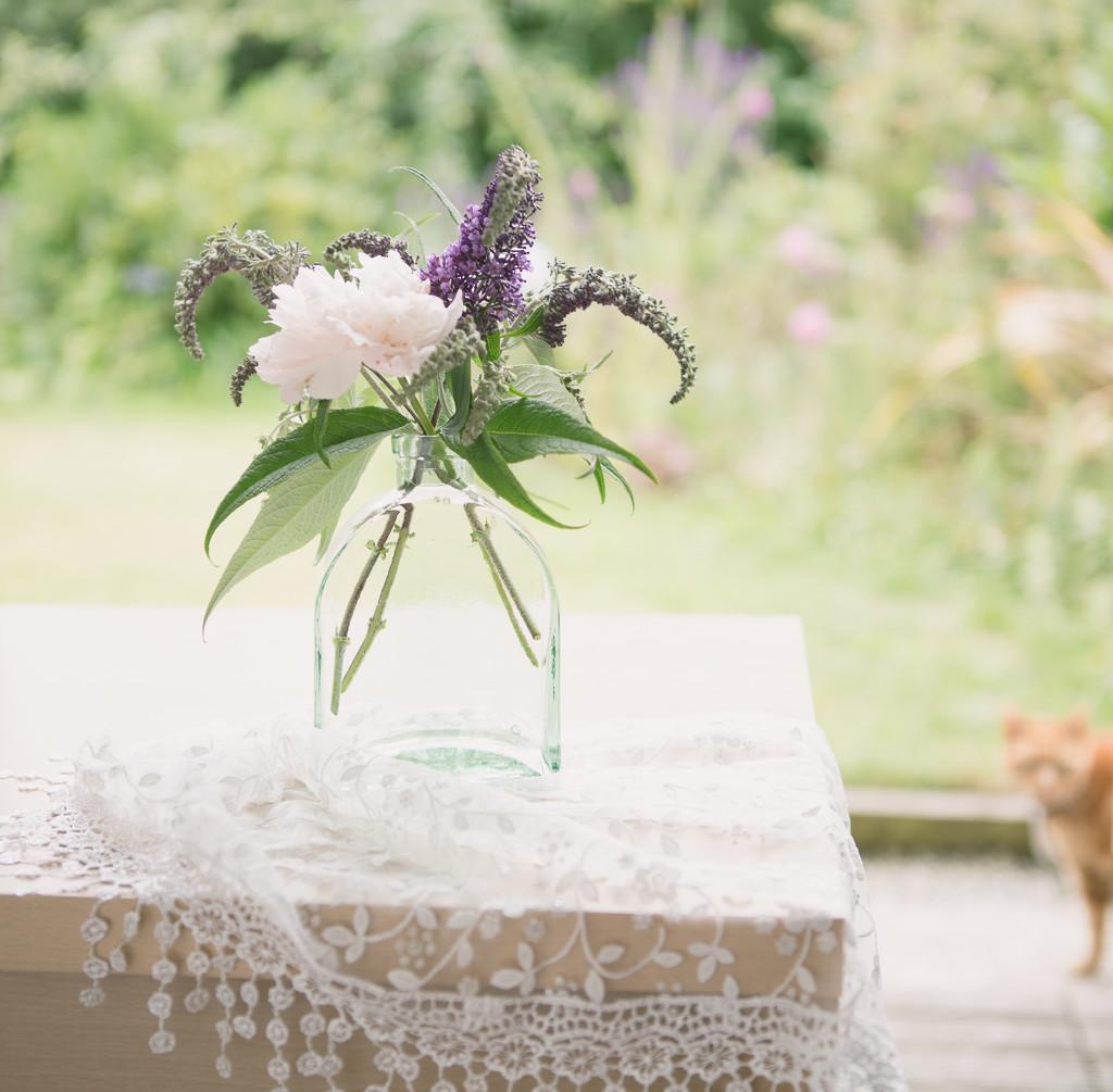 Flowers and Tigger by suebarni