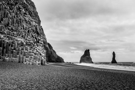 Black pebble beach by bella_ss