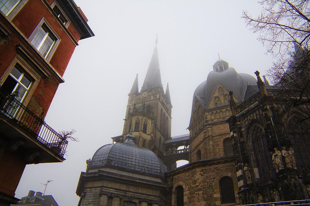 Misty Morning by harvey