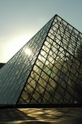 16th Nov 2010 - Pyramide du Louvre #5