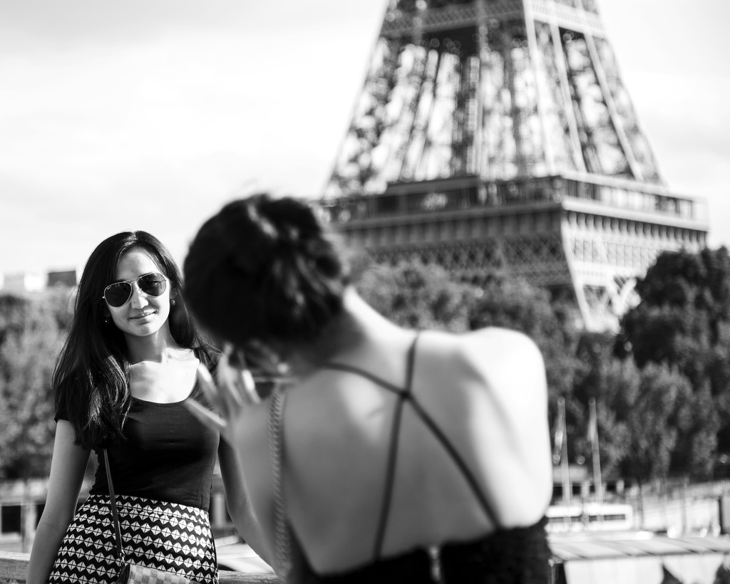Posing @ Tour Eiffel by mara19500