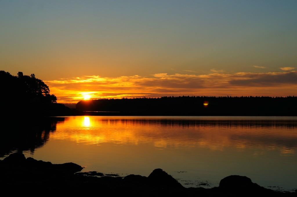 Rising sun by dianen