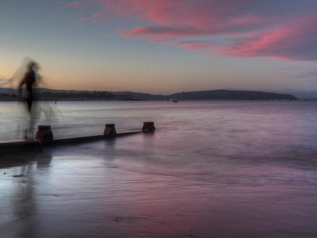 Twilight dip. by gamelee