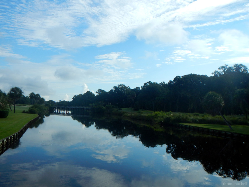 From a Carnoustie Road bridge, HHI by rhoing