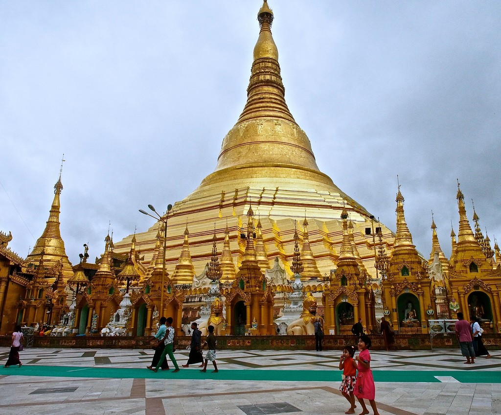 The Golden Pagoda by redy4et