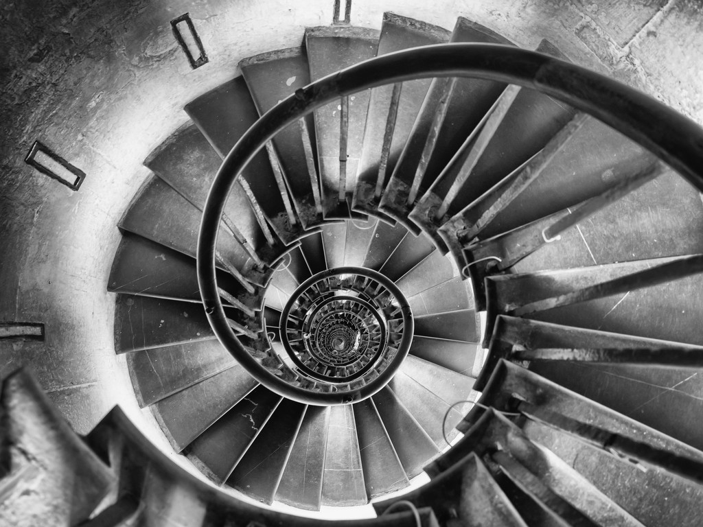 Monument Stairs by rosiekerr