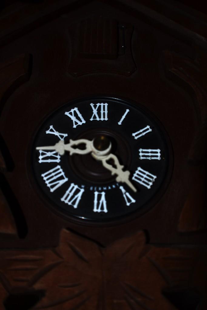 mundane clock by dmdfday
