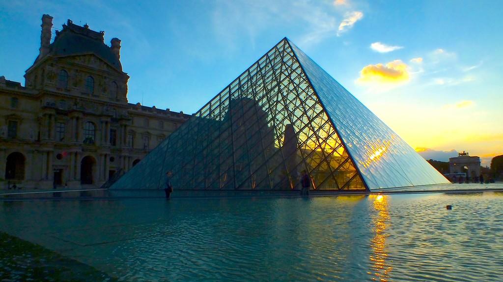 Shine a light on Paris by kiwinanna