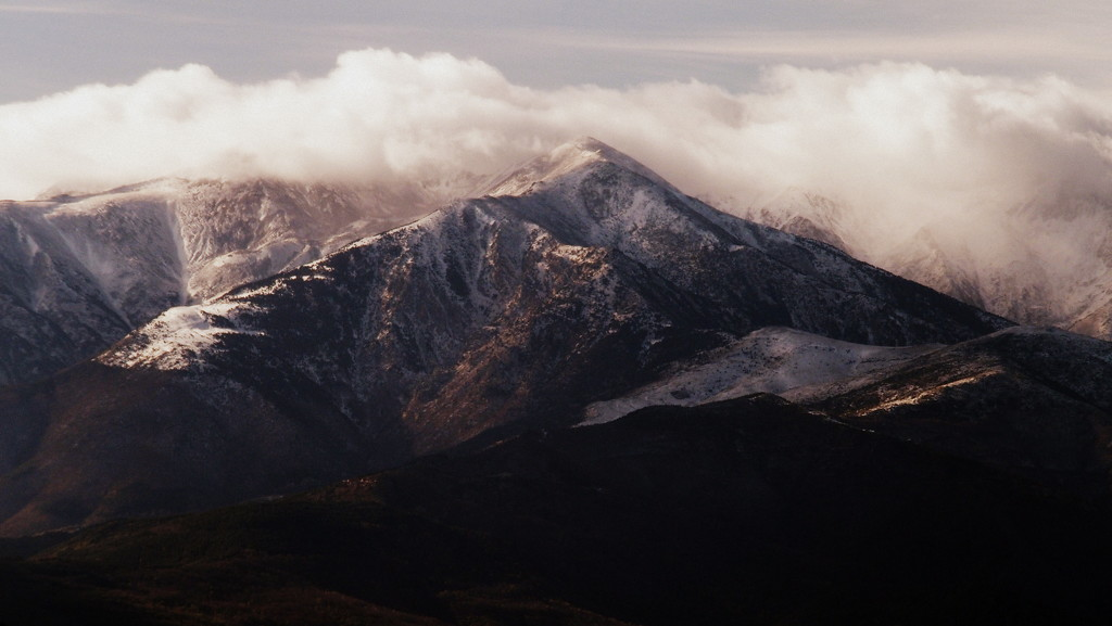 Canigou, first snow of the winter by laroque