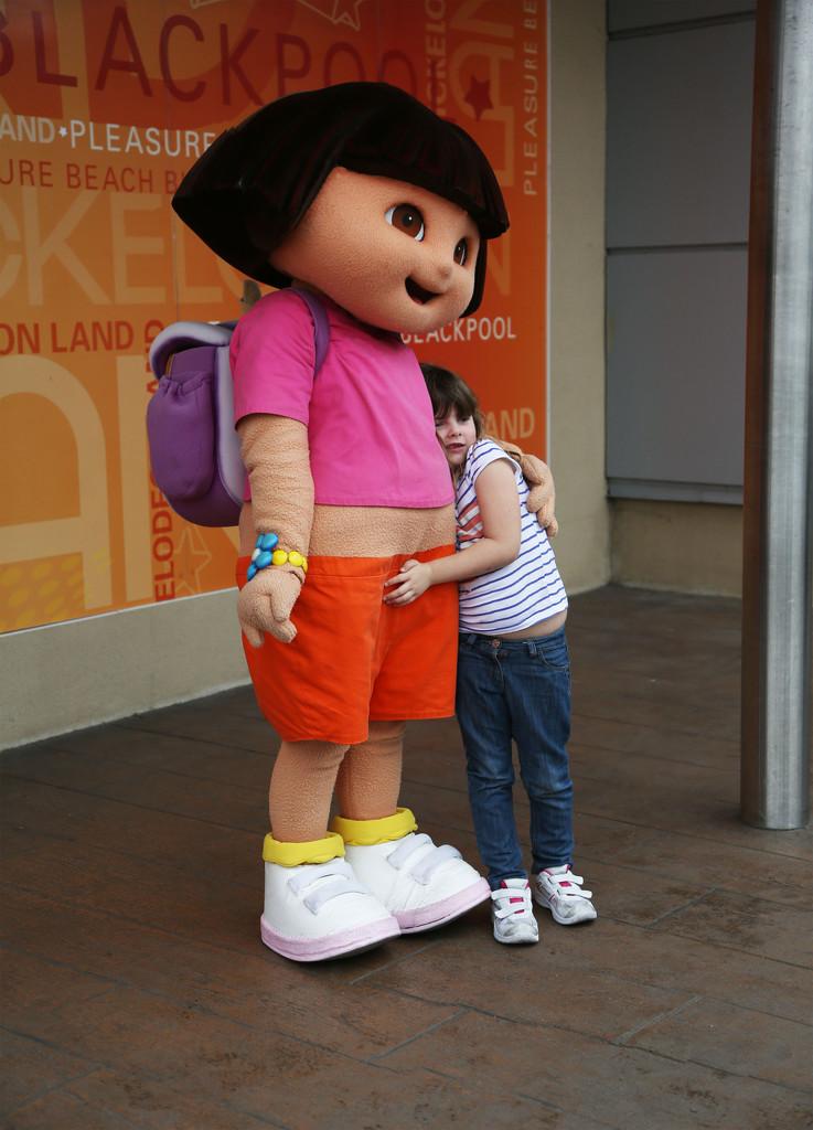 Maddi and Dora.... by brickmaker