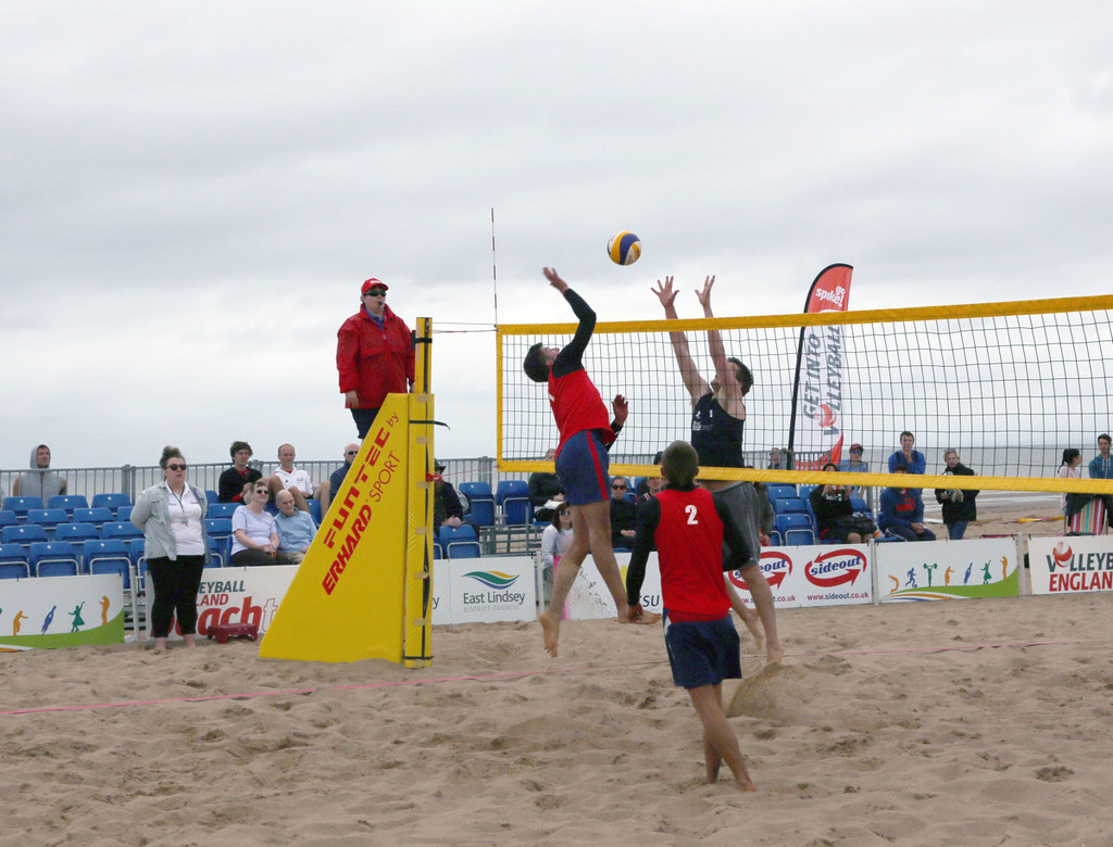 Beach Volley Ball Final..... by brickmaker
