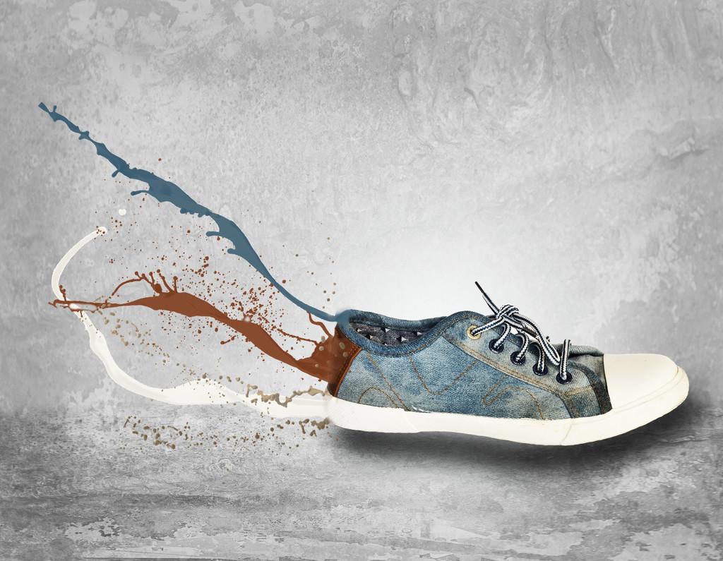 Splattering Shoe by salza