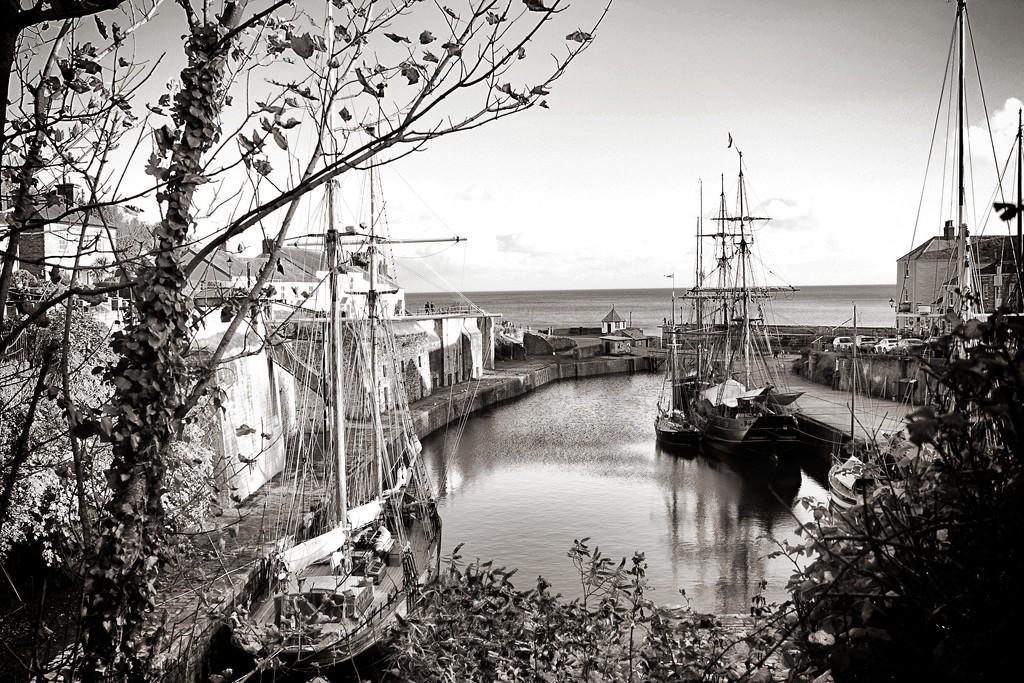 Ships by swillinbillyflynn