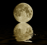 10th Sep 2011 -  Full Moon and a Ripple....