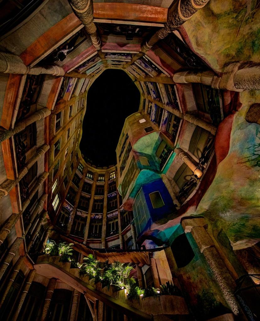 La Pedrera -- Casa Milà by jyokota